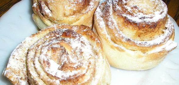 Обычные булочки с сахаром