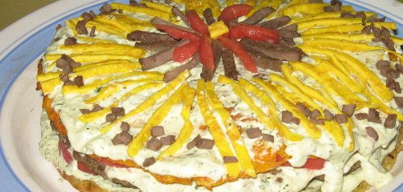 Украшение печеночного торта из овощей с фото