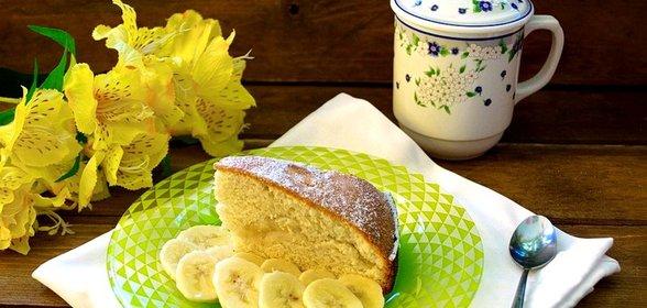 Простой шарлотки с бананами