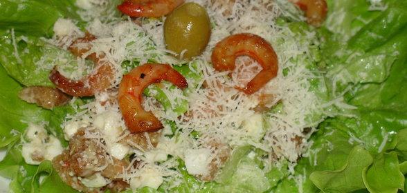 Рецепты салата цезаря с креветками в домашних условиях