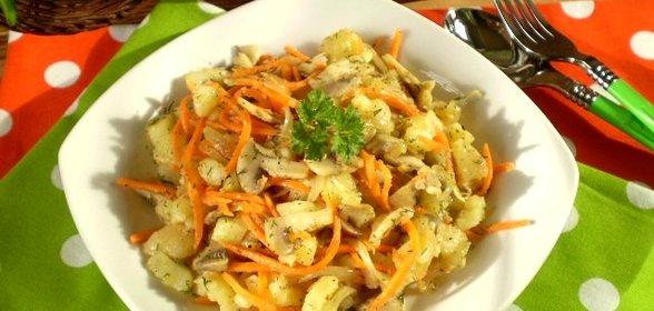 Салат с жареными шампиньонами и корейской морковкой