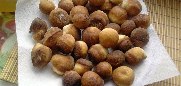 Также можно их просто притрусить сверху сахарной пудрой через сито или залить шоколадом.