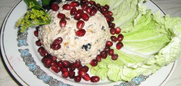 Салат с черносливами и куриной грудкой слоями рецепт с