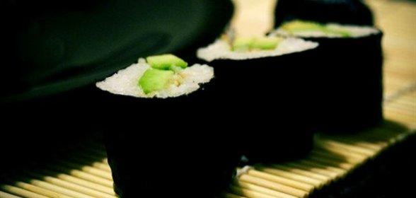 Роллы с авокадо в домашних условиях пошаговый рецепт