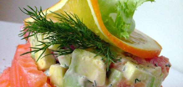 Салат с треской горячего копчения рецепт