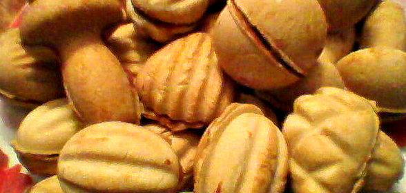 Пошаговый с фото орешки со сгущенкой
